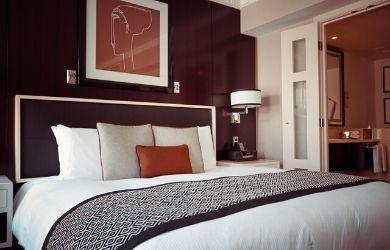 hotel room bed in philadelphia